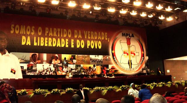 Conferencia histórica alusiva a los 55 años del MPLA el 6 de diciembre de 2011. Fuente: Martinho Júnior, http://paginaglobal.blogspot.com
