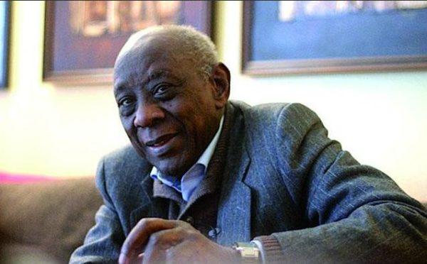 Cheikh Hamidou Kane. Fuente: http://nzingagermain.com
