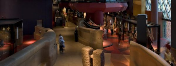 El museo del Muelle Branly-Jacques Chirac, en Paris. Foto de la plataforma Flickr, CC BY-SA (Flickr, CC BY-SA).
