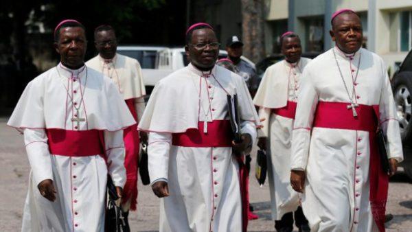 El arzobispo Utembi, con otros clérigos católicos de la RDC. Foto: sfbayview.com.