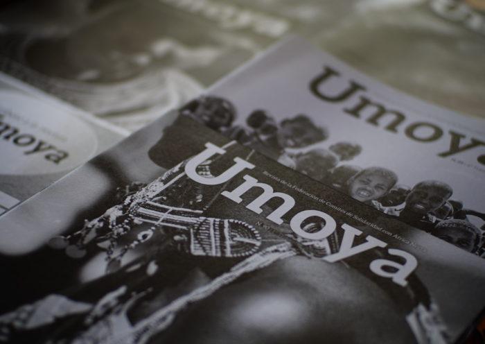 Ejemplares de la revista Umoya. Foto: Umoya.